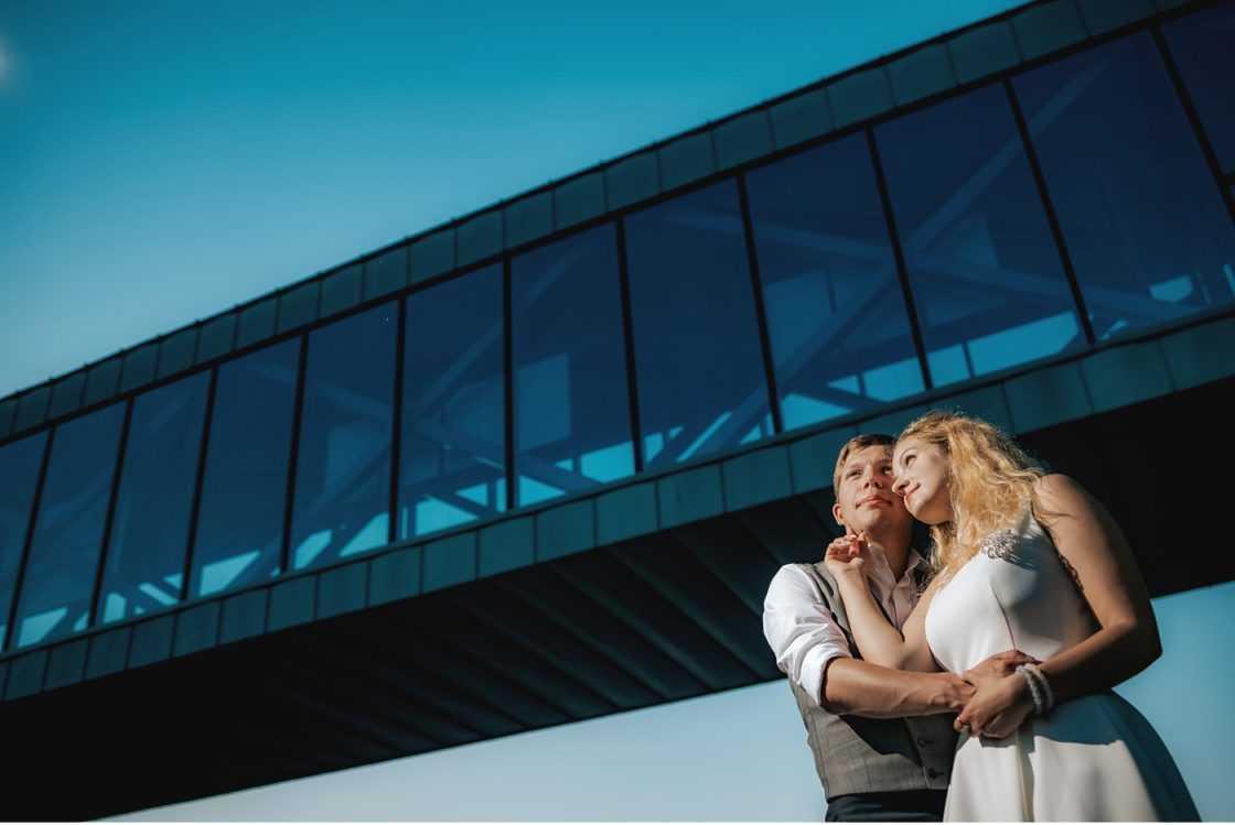 Plenerowy Ślub w Weranda Home sesja narzeczenska brama poznania 009